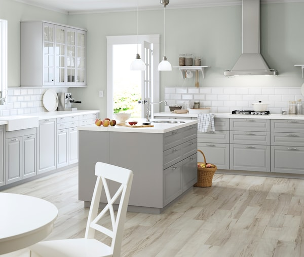 Familienküche mit Kochinsel - IKEA