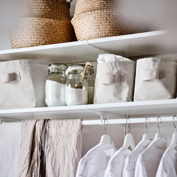 Find alt det, du har brug for til vasketøjet.