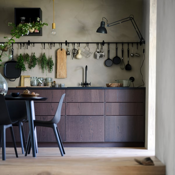Find everything you need to maximise your kitchen storage.