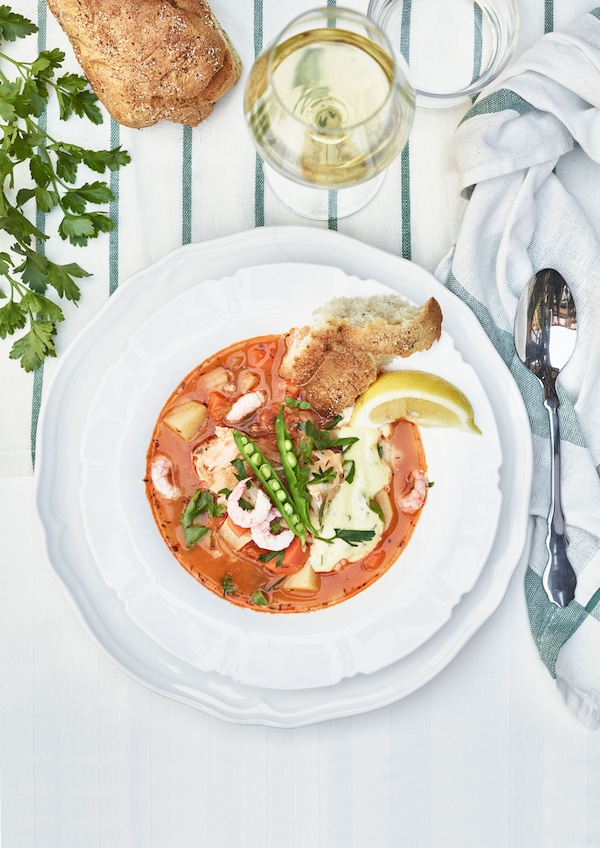Fish stew with tomato and fennel