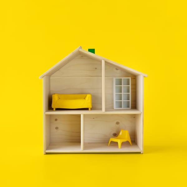 FLISAT domeček pro panenky symbolizující projekty, za které mohou hlasovat členové IKEA Family.