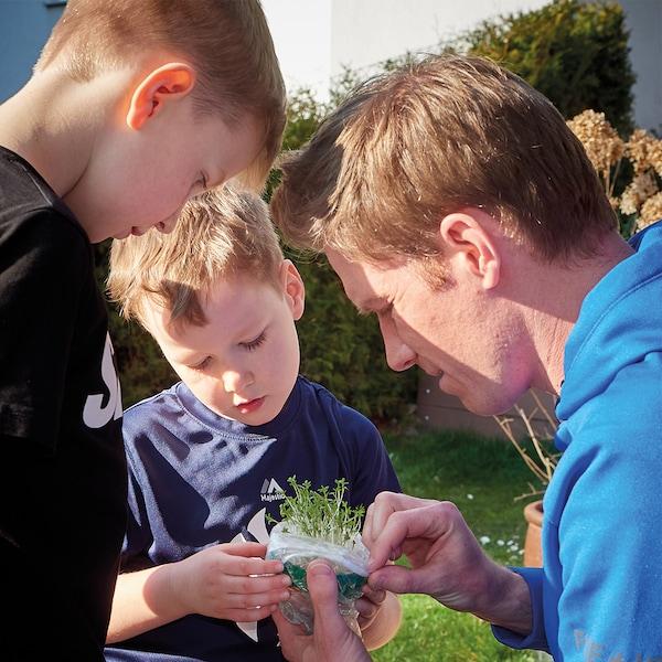 Florian Danner mit seinen beiden Söhnen
