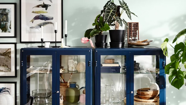 Furnish your living room with open and closed storage