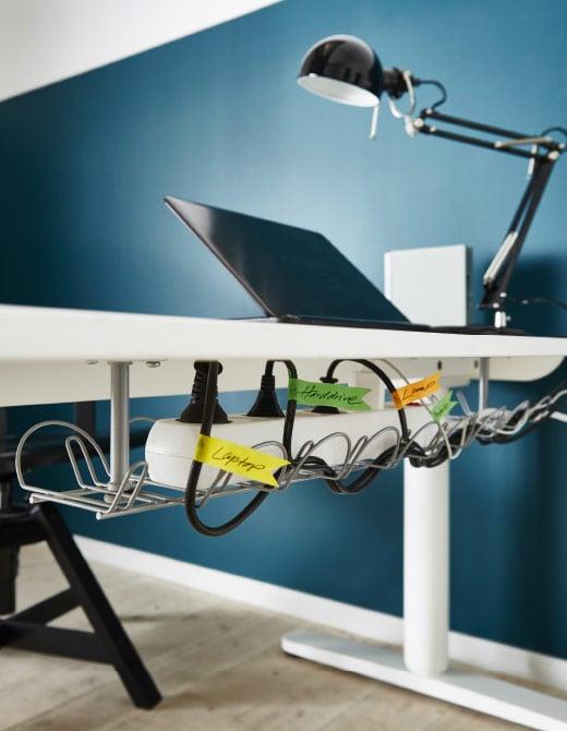 Gardez les câbles en ordre en les identifiant au moyen d'étiquettes colorées.