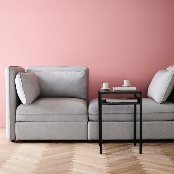 Gestalte dir dein eigenes VALLENTUNA Sofa.