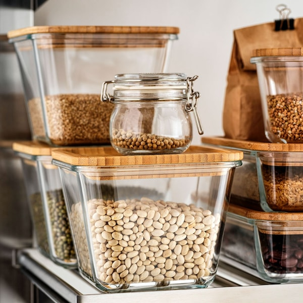 Glass food containers used to organise food