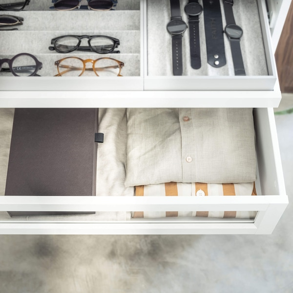 Glasses, watches and shirts organized with PAX interior organizers