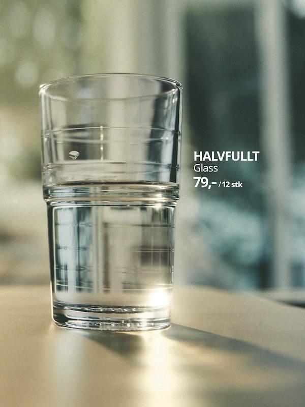 Glasset HALVFULLT - velkommen 2030.