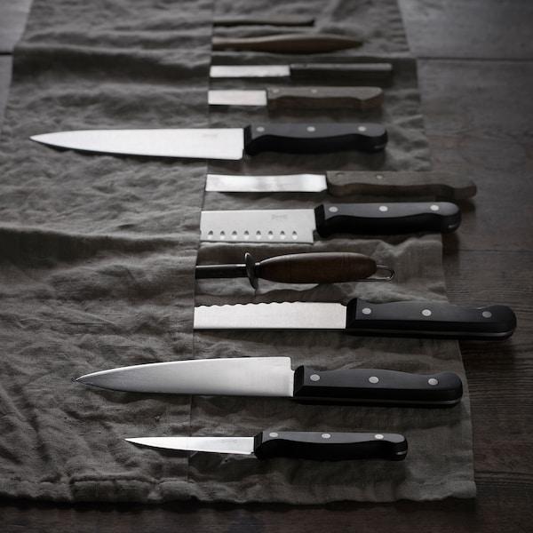 Guida alla scelta dei coltelli per la cucina.