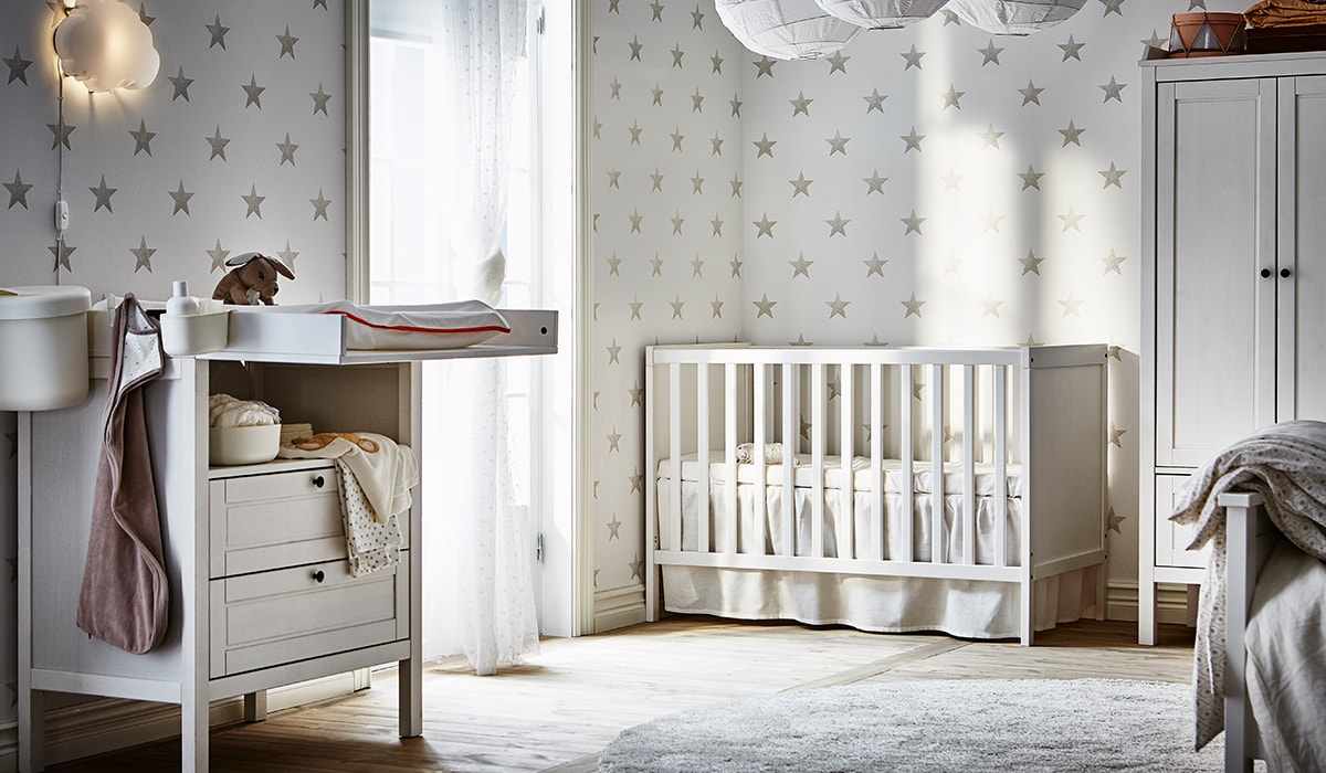 Guide for new baby essentials & checklist