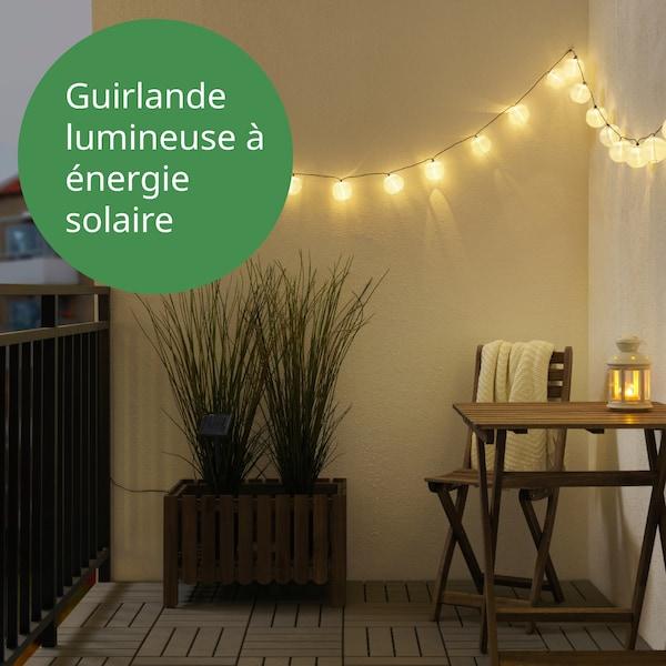 guirlande lumineuse qui fonctionne à l'énergie solaire