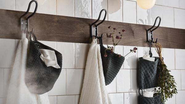 Hängeaufbewahrung hinter der Badezimmertür
