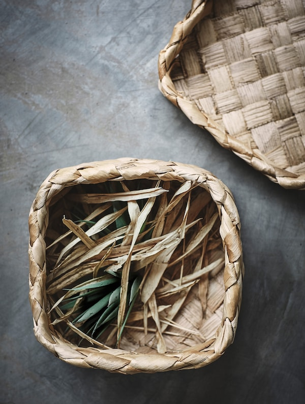 HANTVERK baskets in two sizes