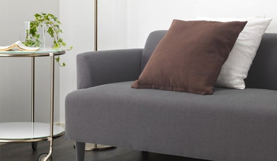 HEMLINGBY sofa with small, neat dimensions which is easy to furnish with, even when space is limited.