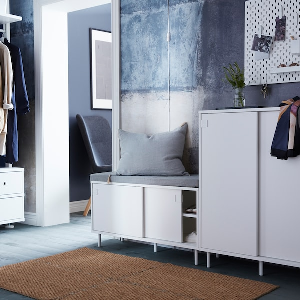 How to get a stylish hallway for the whole family.