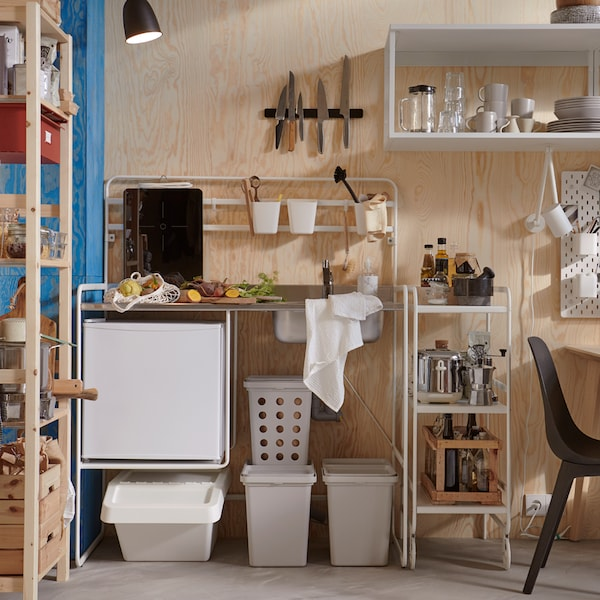How to maximise your kitchen for minimal cost.