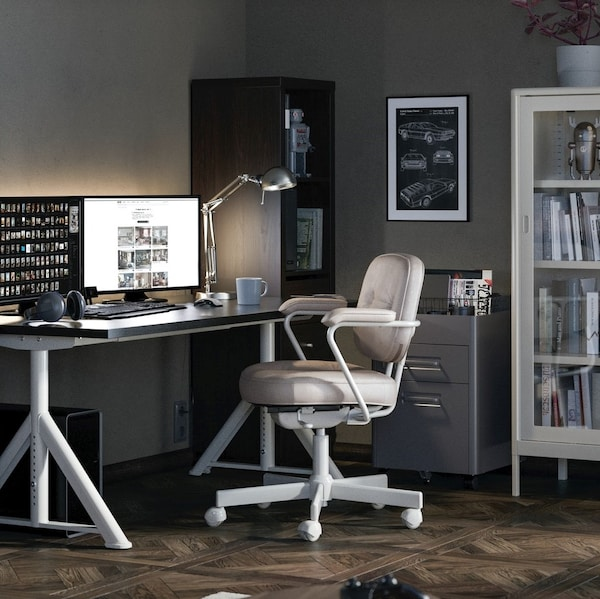 How to set up and ergonomic workspace.