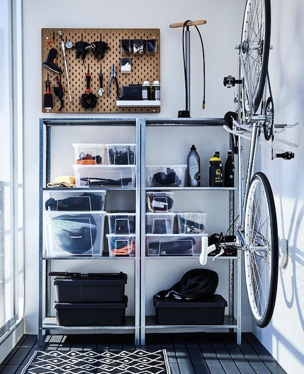 stauraum auf dem balkon schaffen ikea. Black Bedroom Furniture Sets. Home Design Ideas