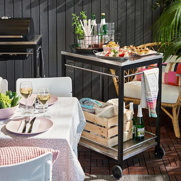 Ideas for a successful outdoor party.