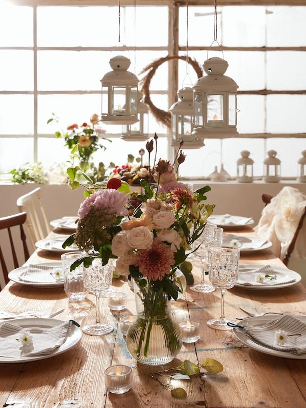 ideas para decorar la mesa con la cristalería
