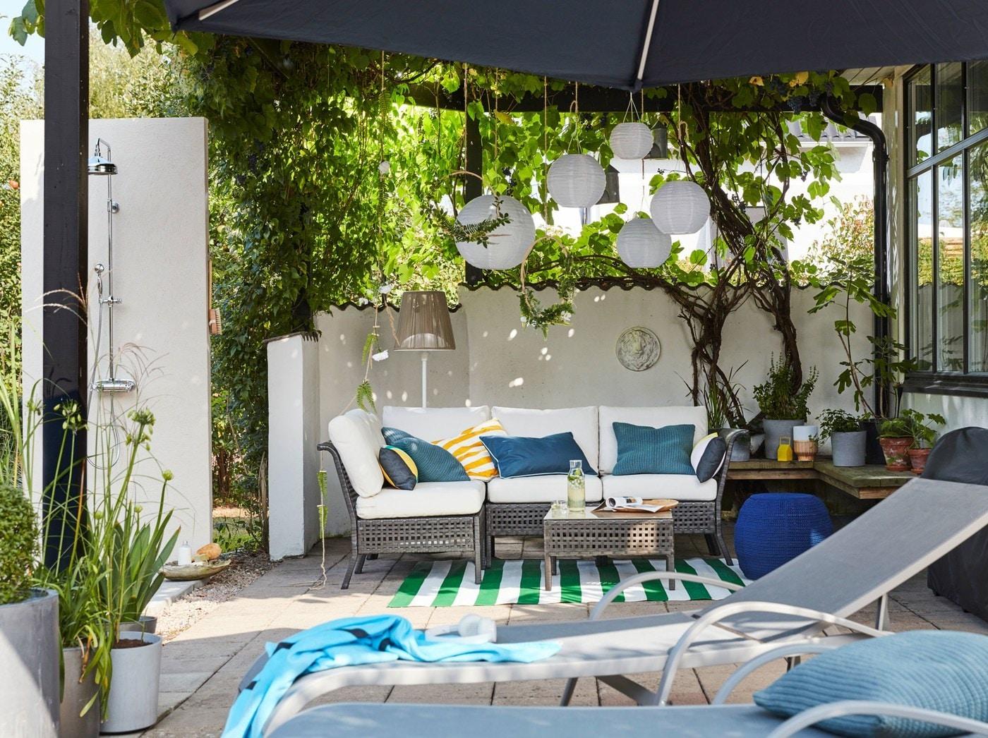 Idee per arredare il tuo spazio all 39 aperto ikea for Ikea ombrelloni terrazzo