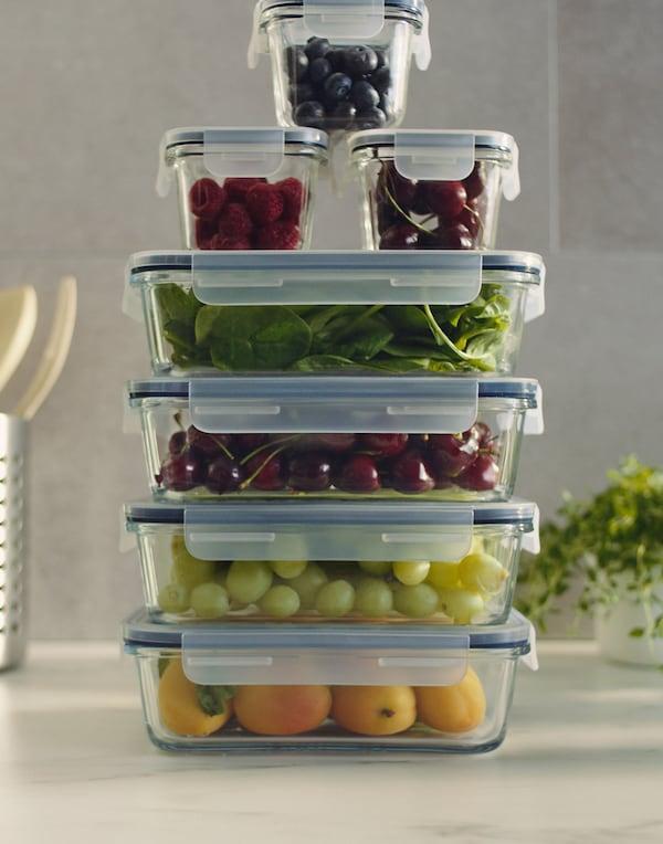 IKEA 365 ruoansäilytysastiat säilyttävät ruoka-aineet ilmatiiviisti.