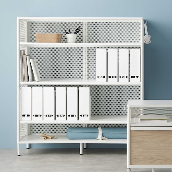 IKEA BEKANT-toimistokalusteet