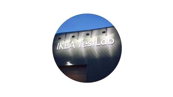 IKEA besitzt zwei Testlabors: Eines in Älmhult, Schweden, und eines in Schanghai, China.