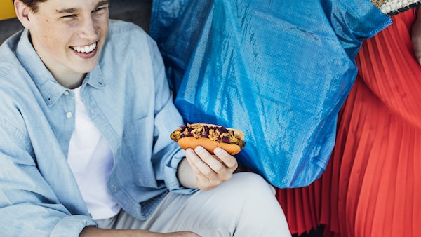 IKEA develops a Veggie hot dog for the IKEA Bistro