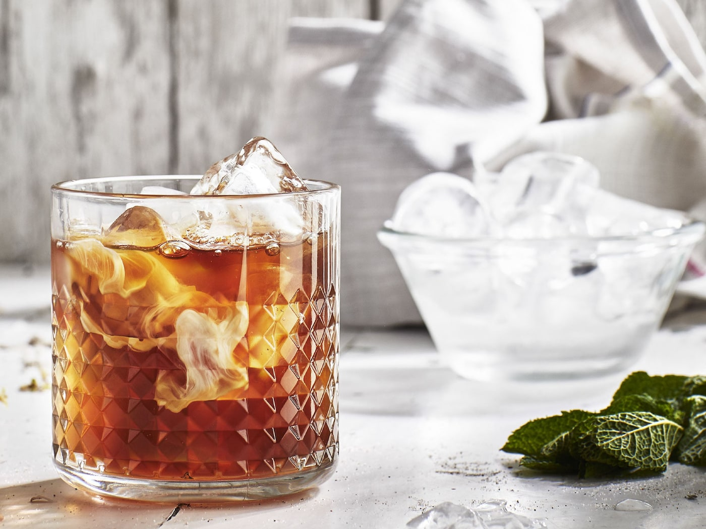 IKEA EGENTID teas can be used to make this almost dessert-like, chilled drink with peppermint and cacao flavour.
