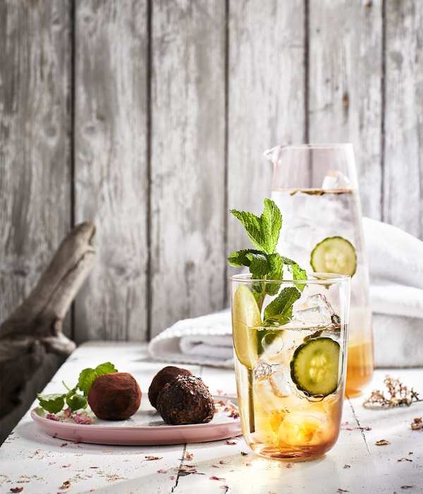 """IKEA EGENTID teas can be used to make this citrusy lemon grass tea on the rocks. Find the recipe in our """"More than a cup of tea"""" recipe collection."""
