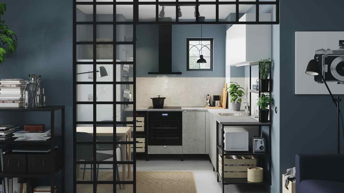 Intelligente Aufbewahrungslösungen in der Küche IKEA