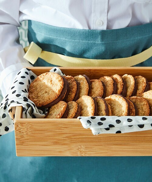 IKEA Family members can get any two 600 g KAFFEREP cookies for $12.99 from August 30 to October 31, 2021. Find a location.