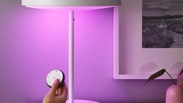 IKEA Home smart Fernbedienung und farbiges LED-Leuchtmittel