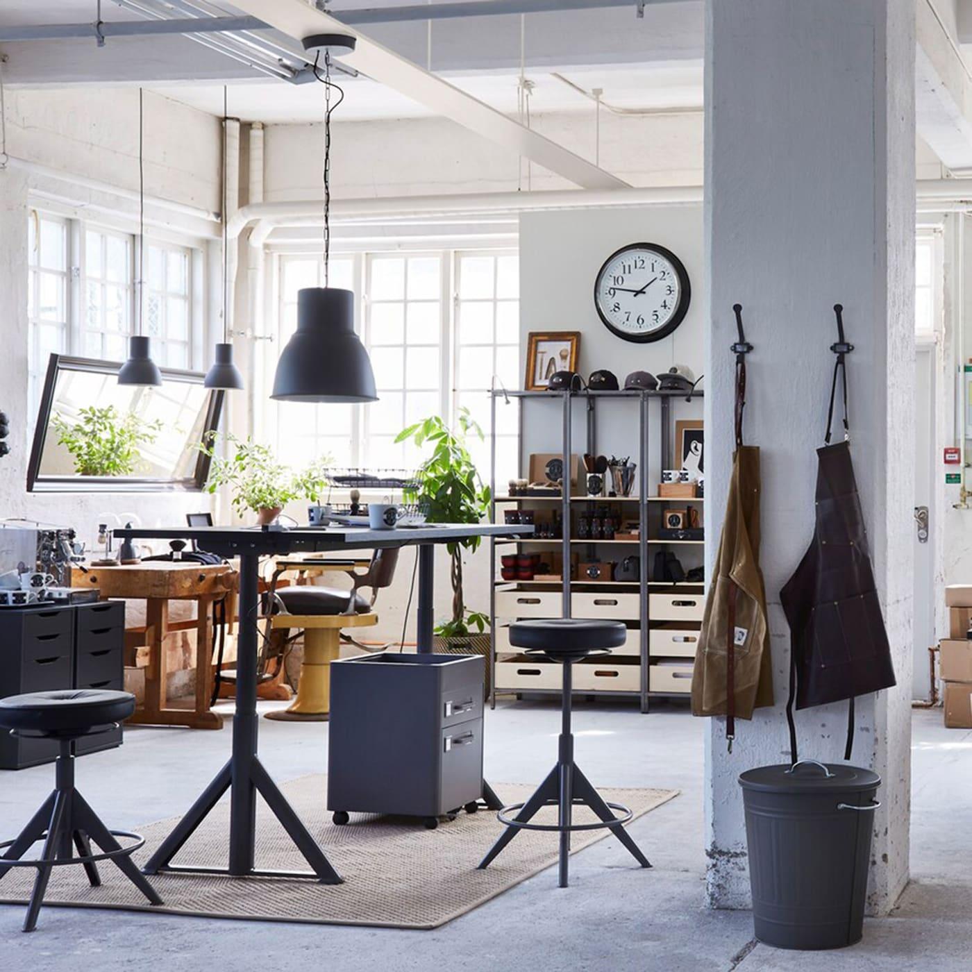 The Hip Office Hub