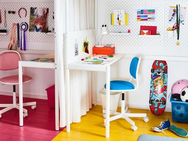 IKEA Kinderzimmer: Buntes Zimmer mit Schreibtisch, Skateboard und Box für das Spielzeug
