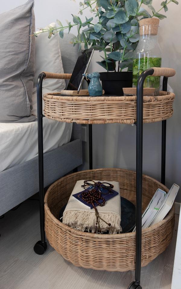 IKEA LUBBAN طاولة بعجلات مع تخزين