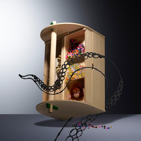 IKEA LUSTIGT -malliston puinen säilytyslaatikko sopii askartelutarvikkeille.