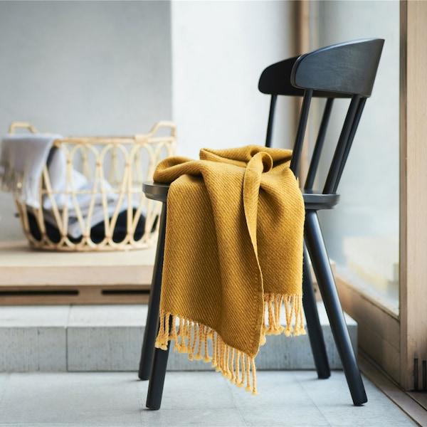 ikea omtänksam stol med filt