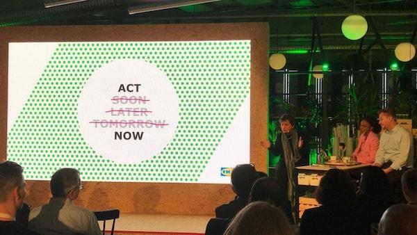 Ikea One Home One Planet 03 v.l.n.r. Christiana Figueres (ehem. Executive Secretary des Rahmenübereinkommens der Vereinten Nationen über Klimaänderungen und Gründungsmitglied von Global Optimism), Nomzamo Mbatha (Moderatorin, Südafrikanische Schauspielerin, TV-Star, Geschäftsfrau und Menschenrechtsaktivistin), Jesper Brodin (CEO Ingka Gruppe)
