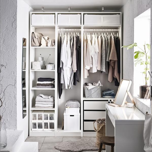 IKEA PAX Kleiderschrank mit KOMPLEMENT Schublade