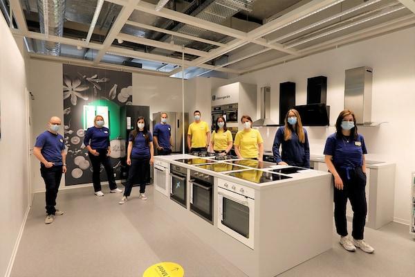 IKEA Planungsstudio in Berlin mit Mitarbeitern