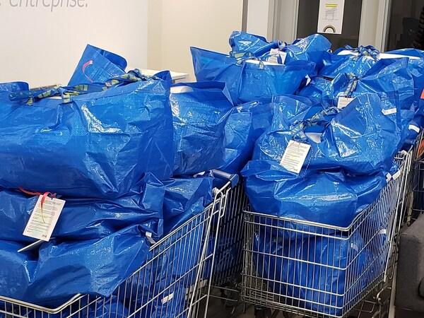 IKEA Québec a fait un don de plusieurs articles pour la maison et pour les enfants à 42 familles de réfugiés et immigrants rescencées par le SOIT.