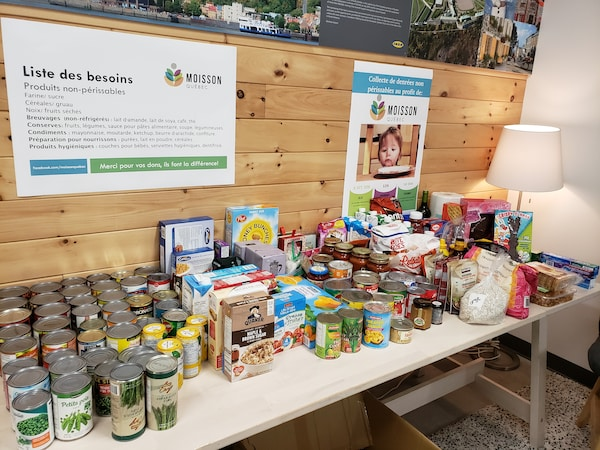 IKEA Quebec co-workers donate food to Moisson Quebec