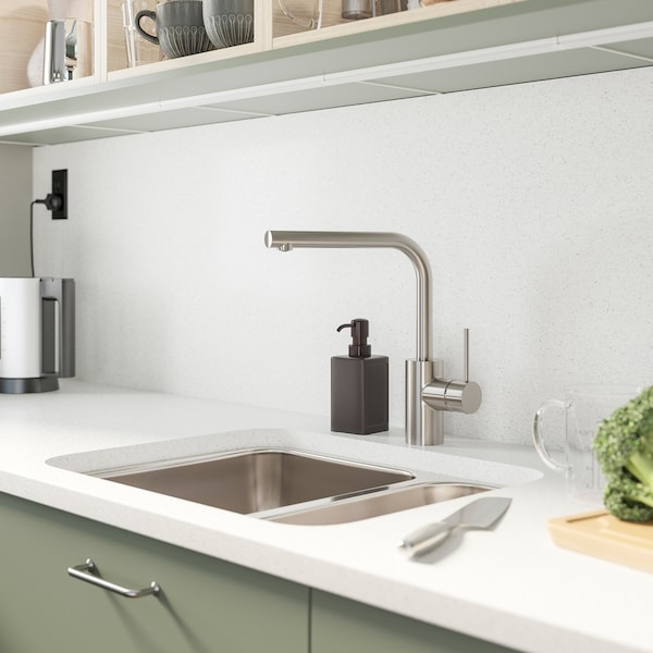 IKEA TÄMNAREN stainless steel-coloured kitchen mixer tap with a sensor is simple, hygienic and practical in a kitchen.