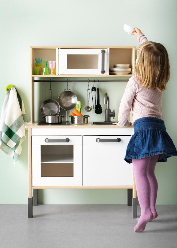 IKEA wooninspiratie - DUKTIG speelgoedkeuken