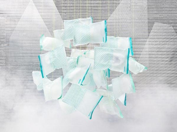 Image des sacs ISTAD entièrement re-scellables, désormais fabriqués dans un bioplastique à la fois renouvelable et recyclable.