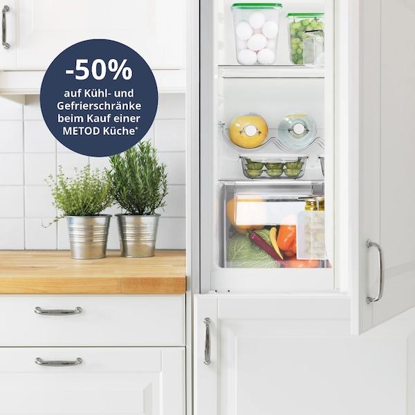 Info zum minus 50 prozent auf Kühlschränke und Gefrierschränke Angebot beim Kauf einer METOD Küche