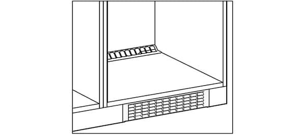 Installation de la grille de ventilation des meubles de cuisine IKEA