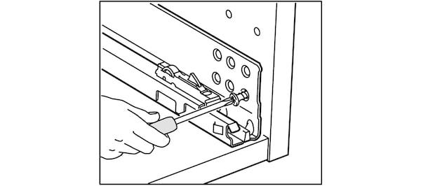 Installation des glissières de cuisine IKEA